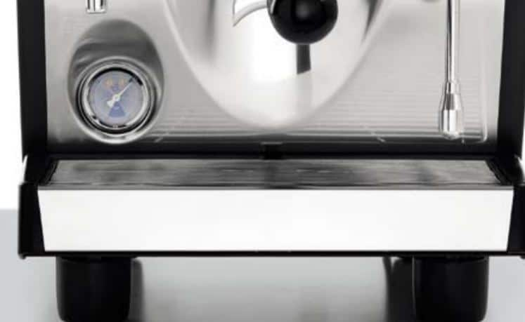 pressure gauge close up